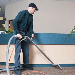 Commercial Carpet Cleaning2 250x250